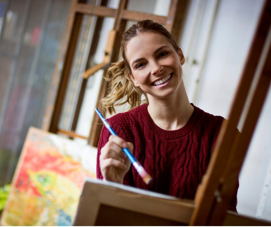 female-artist-picture-id493223154 (1)